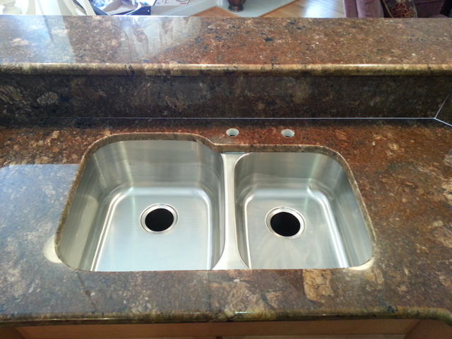 052214a minsk bronze kitchen granite2 640